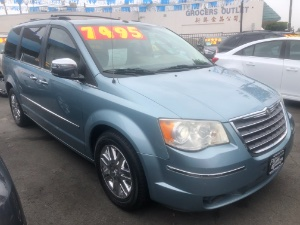 2008 Chrysler Town And Country Photo