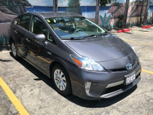 2014 Toyota Prius Plug-in Hybrid Photo