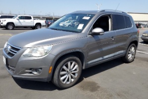 2011 Volkswagen Tiguan Photo