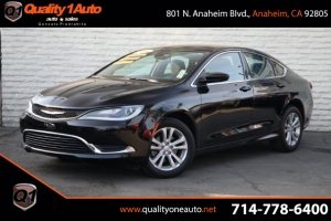 2016 Chrysler 200 Photo