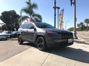 2018 Jeep Cherokee Photo